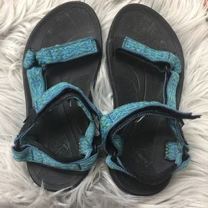 Teva hurricane blue and green sandals size 6 women